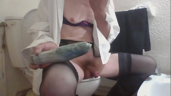 Tranny solo, French anal