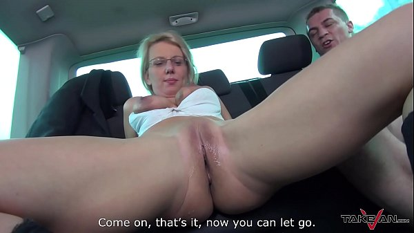 Fake taxi, Wendy, Blonde mom