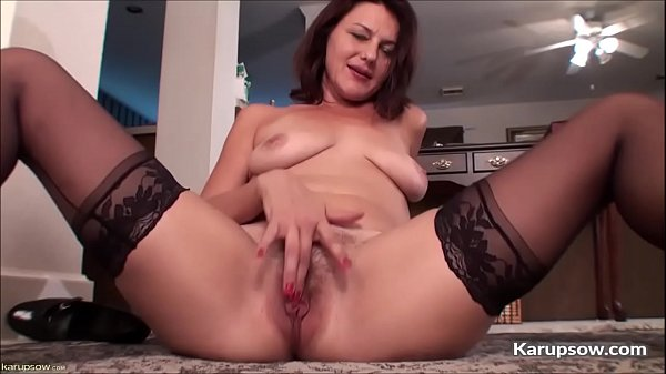 Hairy pussy, Solo mature